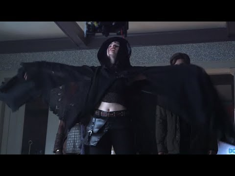 TITANS: NEW COSTUMES AND MORE BTS FOOTAGE!