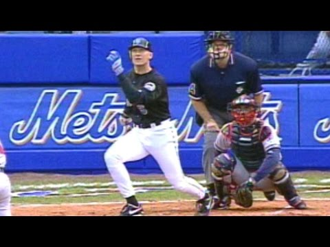 1999 NLCS Gm5: Olerud hits two-run homer off Maddux
