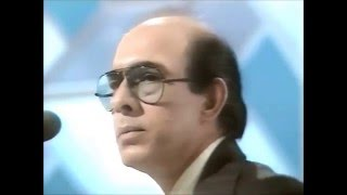 (BBC 5 of 6) TALAT MAHMOOD sings Meri Yaad Men MADHOSH at BBC's  Pebble  Mill Studios