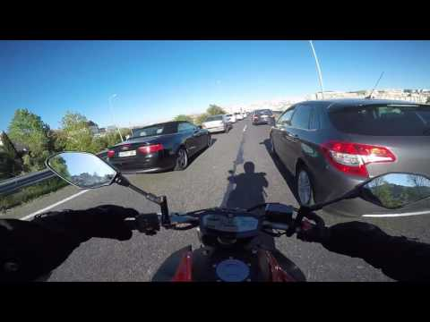 Yamaha MT 07 ABS Lava Red 2016 - Traffic and Passing by a Ja