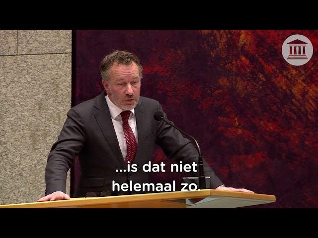 Religieuze bevlogenheid van het kabinet om mensen die geen risico lopen te vaccineren | 15-04-2021