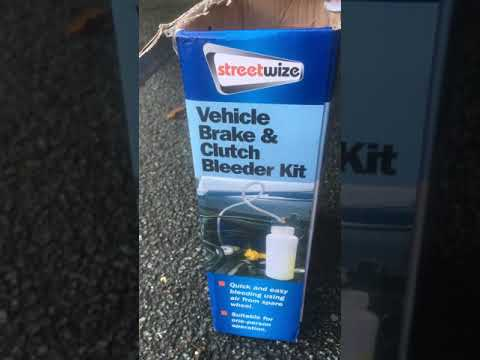 How to bleed brakes & clutch on a transit, vehicle brake and clutch bleeder kit