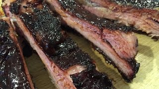 Smoking amazing ribs on the Barbecue Stacker, low and slow
