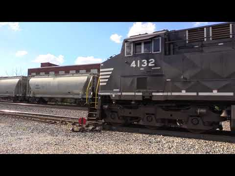 Norfolk Southern Freight Trains Meet At Fort Wayne, Indiana