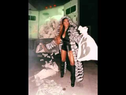 Lil Kim - Buy U Music (Feat. Keri Hilson)