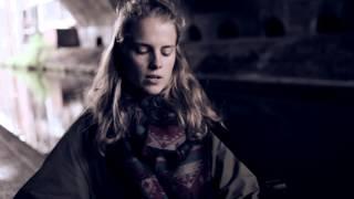 Смотреть клип Marika Hackman - Cinnamon