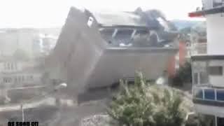 Edificios que se caen durante terremoto en Irak de 7.6 - 12 de noviembre de 2017