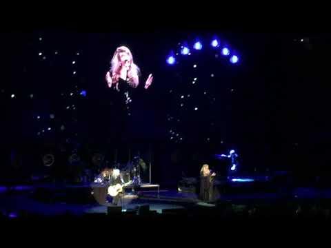 Stevie Nicks Live – Landslide