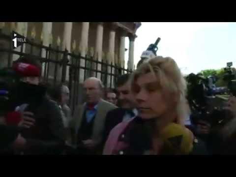 Frigide Barjot  agressée devant l'Assemblée !