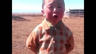 Balaca şirin uşaq
