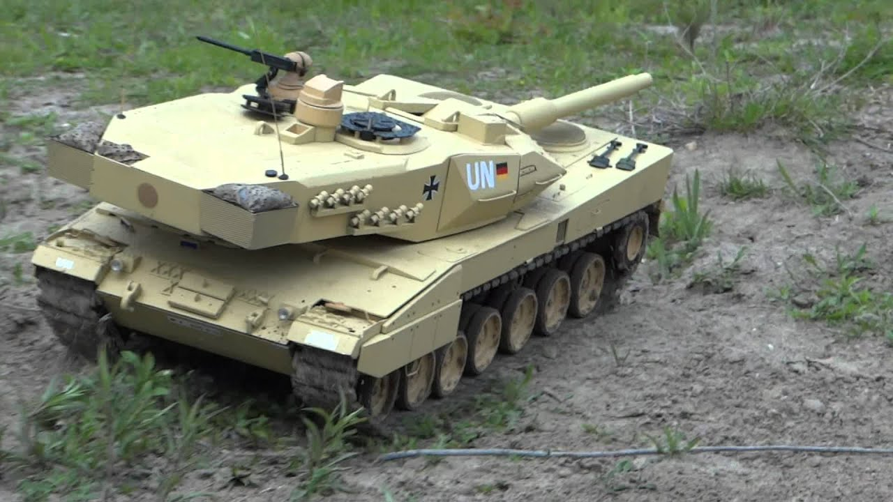 leopard 2 panzer leo modell 1 zu 10 youtube. Black Bedroom Furniture Sets. Home Design Ideas