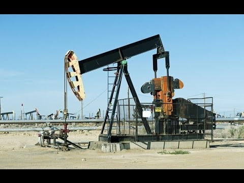 life without oil World without oil (wwo) is an alternate reality game (arg) created to call attention to, spark dialogue about, plan for and engineer solutions to a possible near-future global oil shortage, post peak oil.