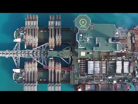 Трубоукладчик Pioneering spirit компании Allseas (Швейцария)