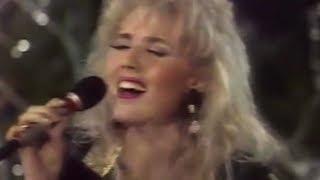 Lepa Brena - Zapevala sojka ptica - Novogodisnja Zeljoteka - (TV NS 1989)