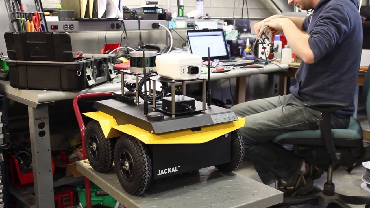 Caterpillar, GE invest $30M in material-transport robotics