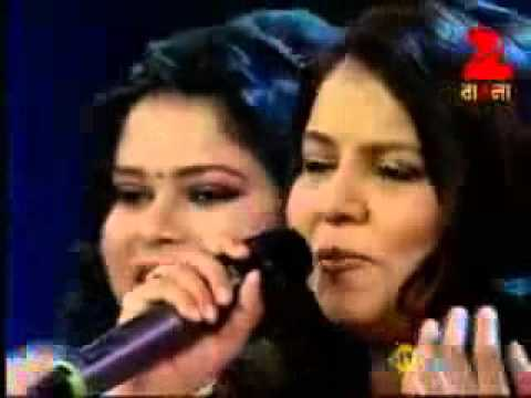 Neele Neele Ambar Par - Sadhana Sargam (Live Stage Performance) 2016 Mp3