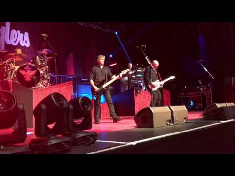 """The Stranglers """"No More Heroes"""" (Southend 23/03/2017)"""