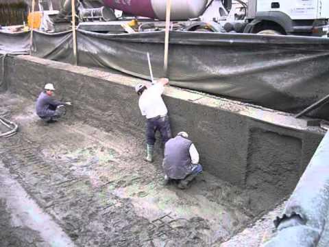 Vaso piscina de hormigon youtube for Piscinas de hormigon gunitado