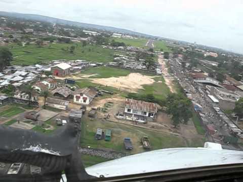 An-26.Overflight Kinshasa(N*djili)-Kinshasa(Ndolo) .Cockpit view.flv