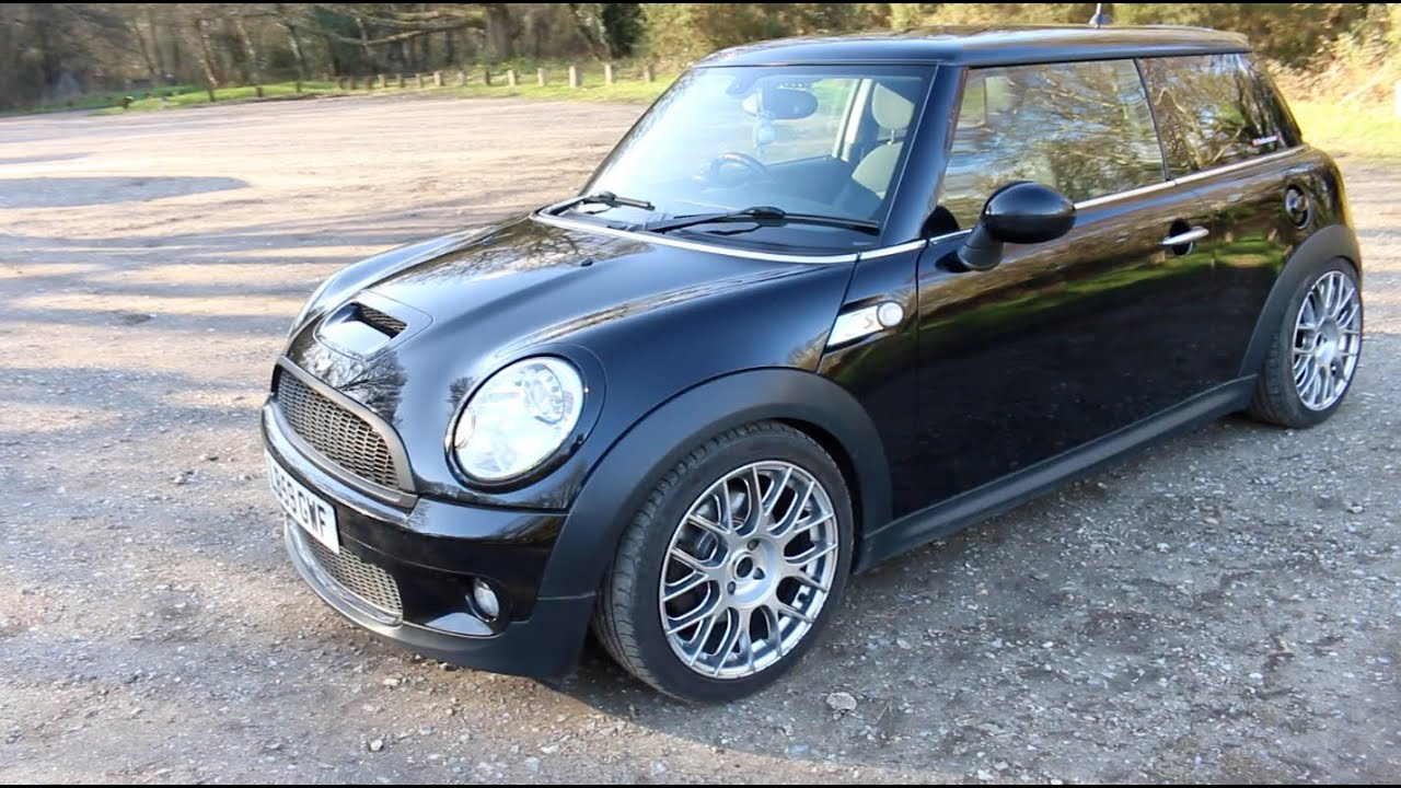 mini cooper s r56 review john cooper works exhaust. Black Bedroom Furniture Sets. Home Design Ideas