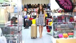видео Пластиковый или тканевый чемодан — какой лучше купить