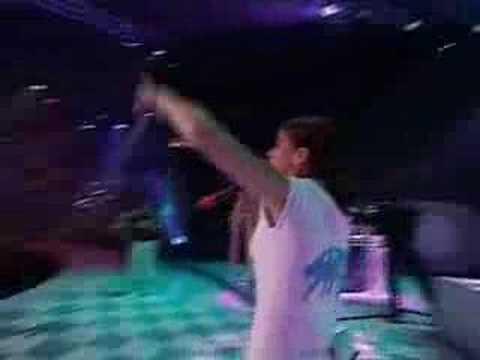 Nelly Furtado - Shit on the radio live