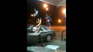 l town girls dancing twerking bopping on cars in the gas station chiraq l town