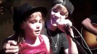 Justin Bieber Sings Baby With A Little Girl