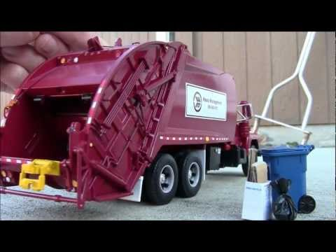 "First Gear 1:34 Scale Custom Garbage Truck - Mack ""R"" Series w/ McNeilus Rear-Load"