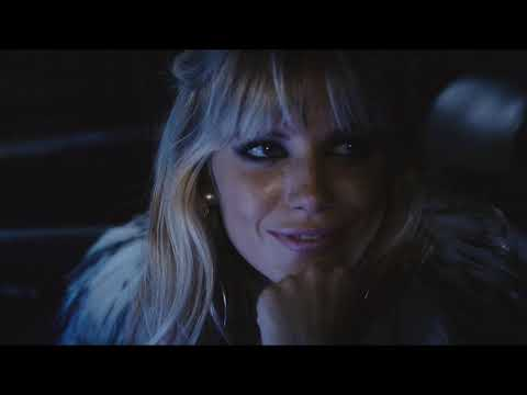 Sexy flirtation   Sienna Miller  Jude Law in Alfie