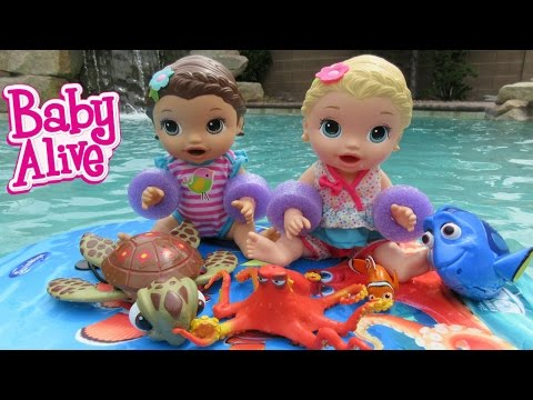 Download Youtube: BABY ALIVE Finding Dory Toy HAUL + Baby Alive Goes Swimming!