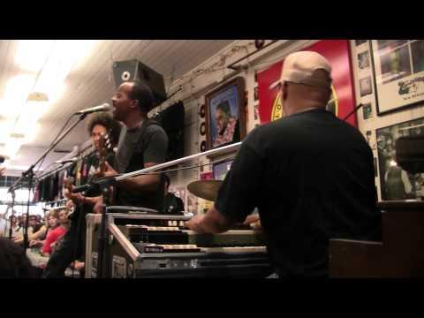Dumpstaphunk - Everybody Want Sum - Do Ya 5/4/11 New Orleans @ Louisiana Music Factory