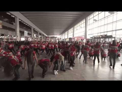 Видео: Танцевальный флэшмоб
