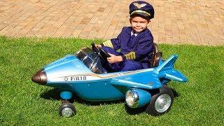 Дима собрал новый самолет и отправился в полет | Дима и Машинки thumbnail