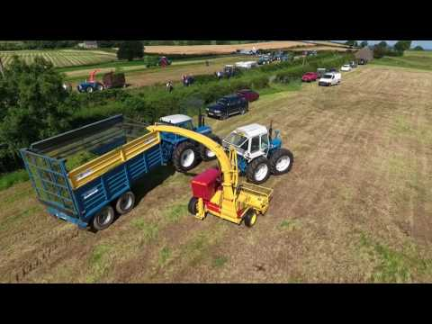 County 974 New Holland Precision chop 550 with a Deutz 180 hp air cooled engine