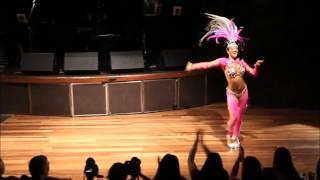 Как же она классно танцует, это надо видеть!(Бразильские танцы - очень зажигательны. Традиционный бразильский танец самба, ритмичный и красивый танец...., 2015-05-10T14:23:25.000Z)