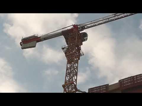 MILANO)( cantiere torre libeskind PWC) innalzamento GRU A POTAIN MDT 308 .