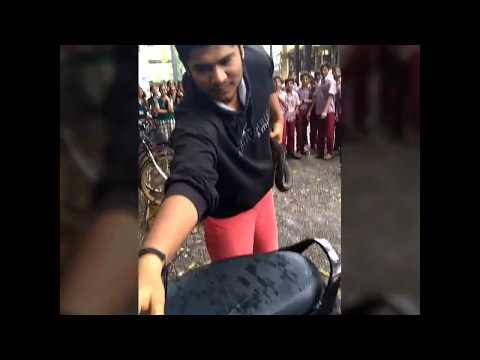 Parag shinde Rescue indian Rat Snake (Non venomous snake) AT thane  (Thirani High School)