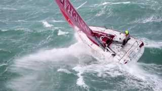 Wedstrijdjacht Generali traint  met 50 knopen wind