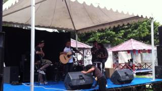 PALU GIGS : Payung Teduh (sound check)