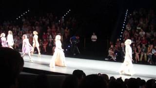 Teresa Helbig Finale SS2012 Cibeles Madrid Fashion Week 2011 Thumbnail