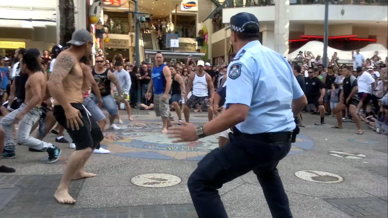 Flash mob haka surfers paradise 1109114 youtube sciox Choice Image