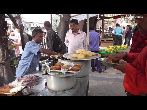 4 Luchi Tarkari ( Potato Curry ) Only 10 rs | Street Food Besides Writers Building Kolkata