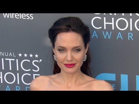 Angelina Jolie, Gal Gadot, & Diane Kruger with Norman Reedus at the Critics' Choice Awards 2018
