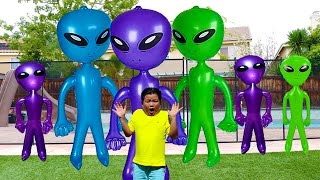 Alex Pretend Play Story about Green Aliens and Spaceship Toys for Kids