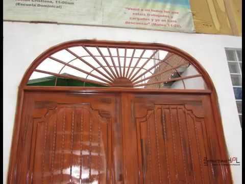 Instalaci n de puerta met lica con acabado tipo madera youtube - Vinilos imitacion madera para puertas ...