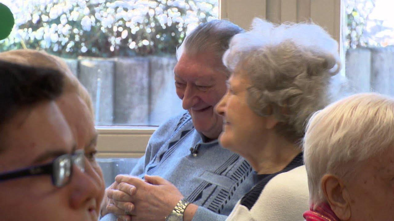 Femme de 80 ans qui fait l amour [PUNIQRANDLINE-(au-dating-names.txt) 50