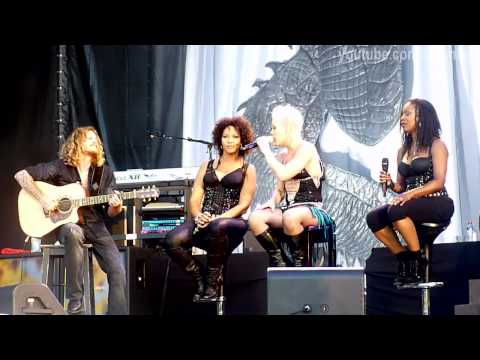 [HD] Pink - Dear Mr President @ Live In St. Petersburg. Tuborg Greenfest