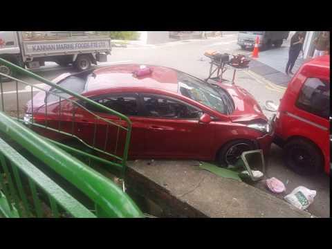 Accident at Sembawang Road on April 23, 2017