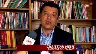 Cazanoticias captó a dos pequeños trabajando en limpieza de baño público - CHV NOTICIAS